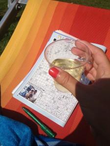 Billede fra vores sidste sommerferie i Italien. Kryds & tværs og hvidvin ved poolen, that's life.